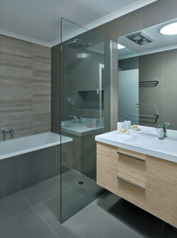 23 Fotos de Banheiros Pequenos Decorados com Porcelanato -> Decoração Banheiro Pequeno Com Banheira