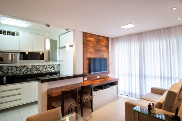 Decoração de sala de estar pequena com cozinha americana
