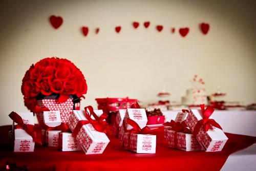 dicas para decoração de noivado simples e barato