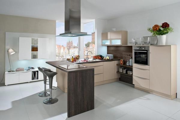 cozinha integrada com madeira nobre