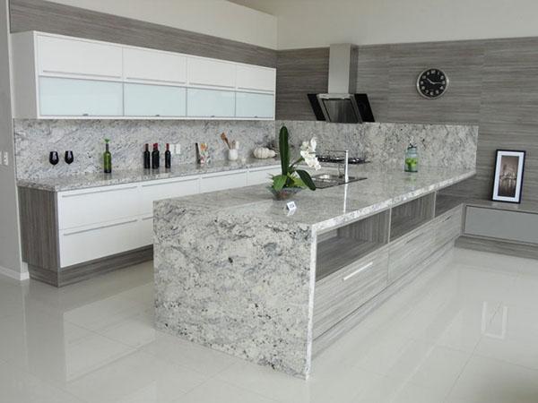 cozinha integrada com marmore