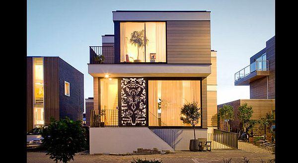 fachada de casa com figura