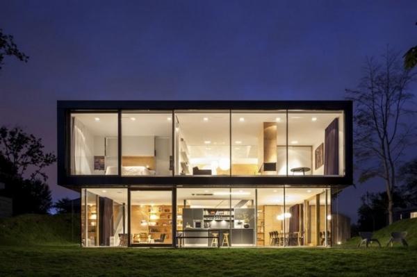 fachada de casa de vidro
