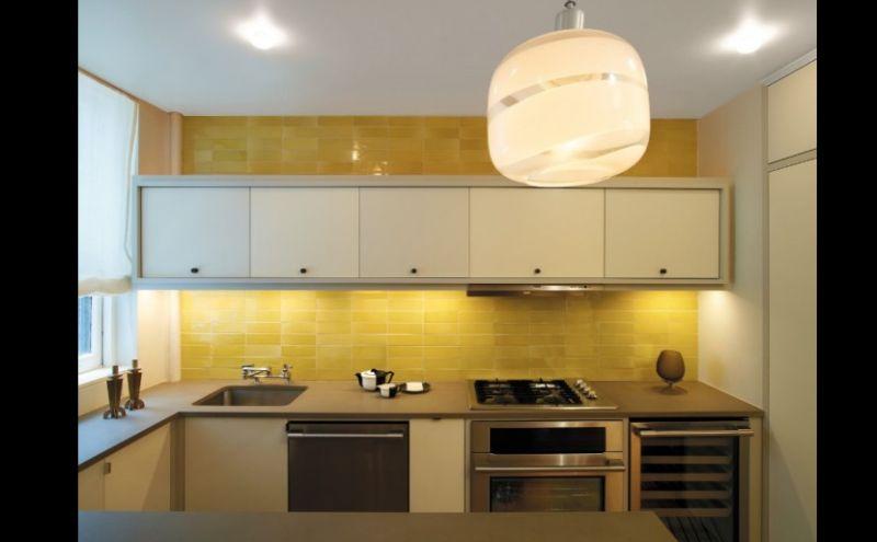 lustre na cozinha planejada