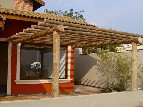 pergola de madeira com estrutura de madeira