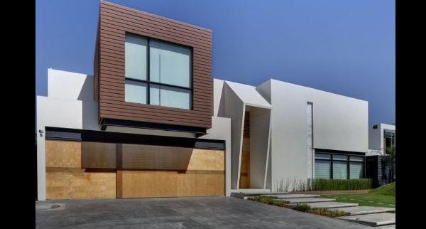 fachada de casa com detalhe