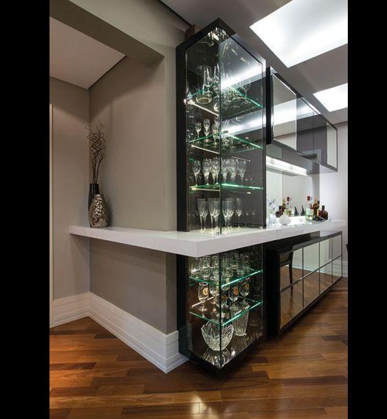 barzinho de parede com vidro