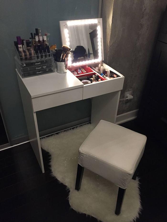 mesa de maquiagem para quarto 56 ideias para decorars decor. Black Bedroom Furniture Sets. Home Design Ideas