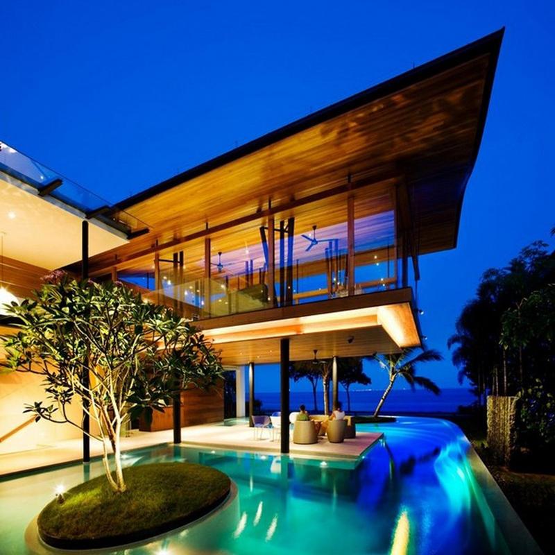 piscina na casa linda