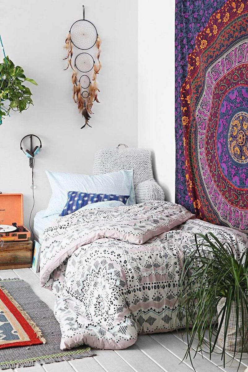 quarto com estilo hippie branco