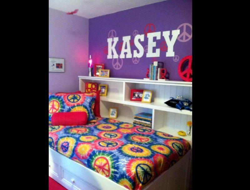 quarto com estilo hippie roxo