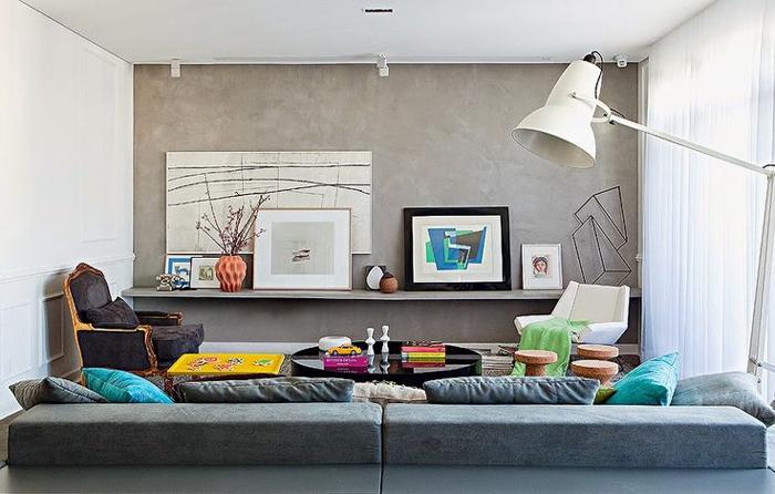 sala com parede com concreto aparente