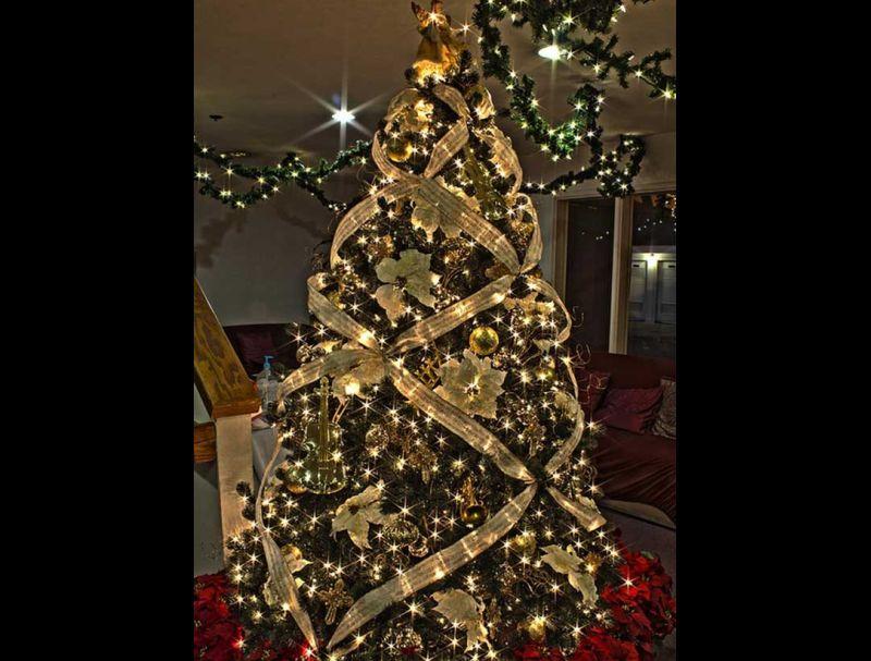 pinheiro natalino com fita trançada