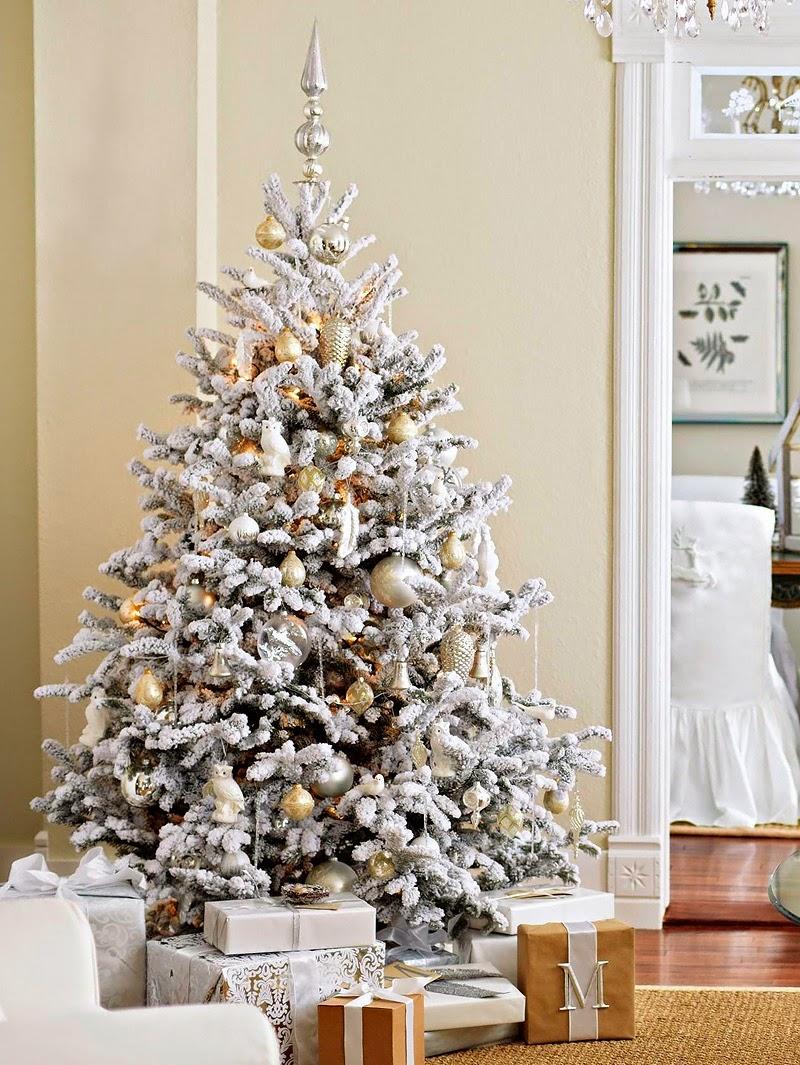 pinheiro natalino com neve