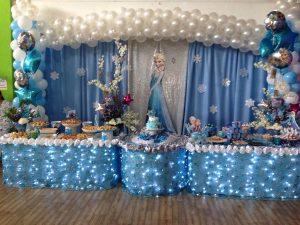 festa Frozen luzes