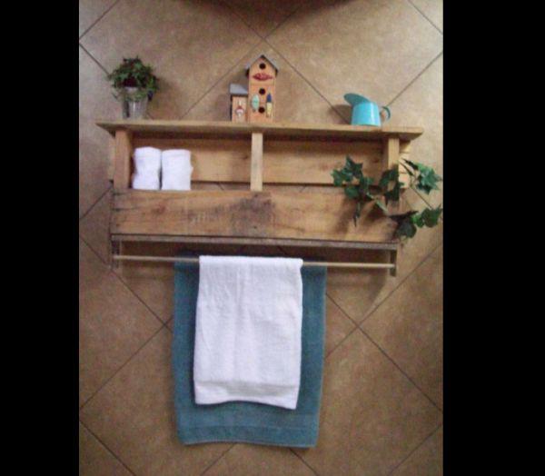 Artesanato em madeira toalheiro