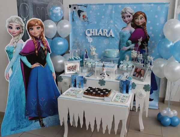 festa Frozen totem