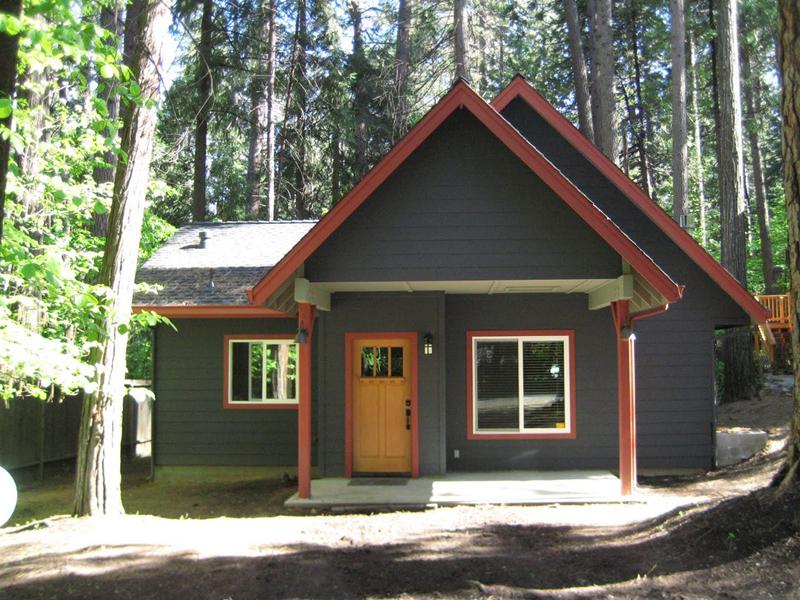 casa com madeira ocre