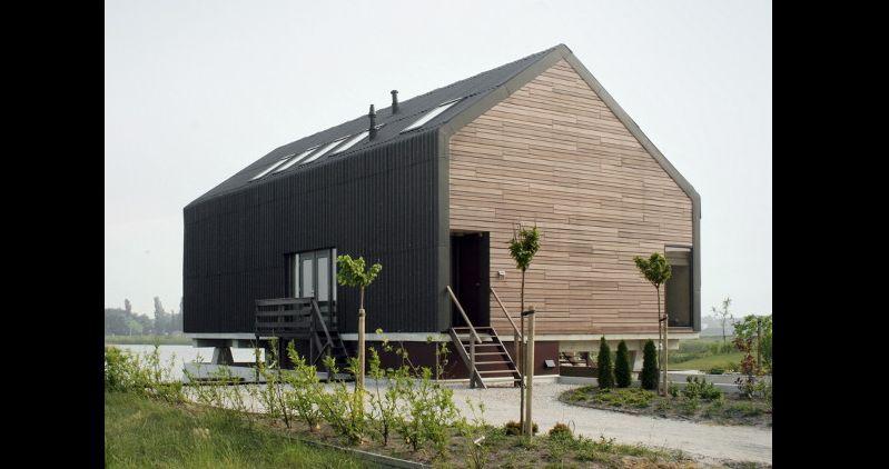 casa com madeira galpao