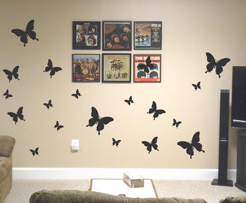 parede decorada com borboletas