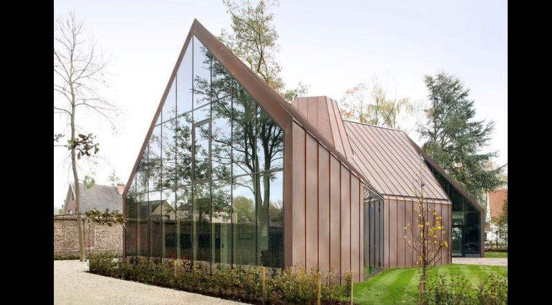 casa com madeira vidro