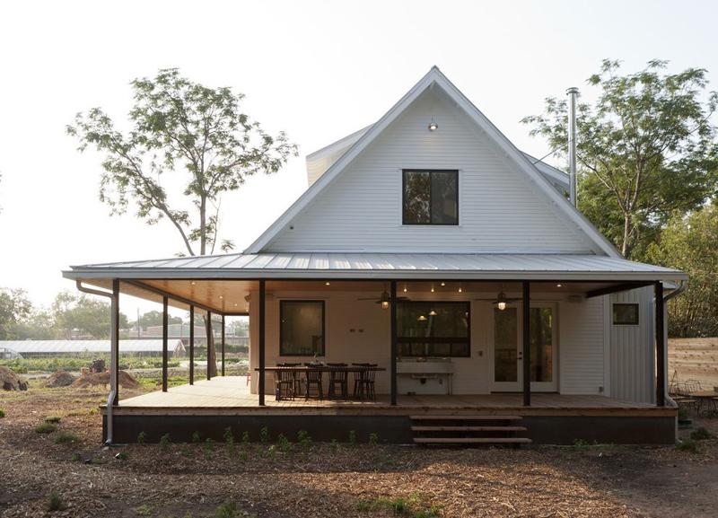 casa com madeira branca
