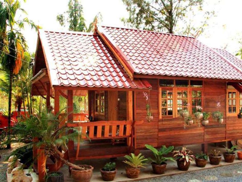 casa com madeira verniz