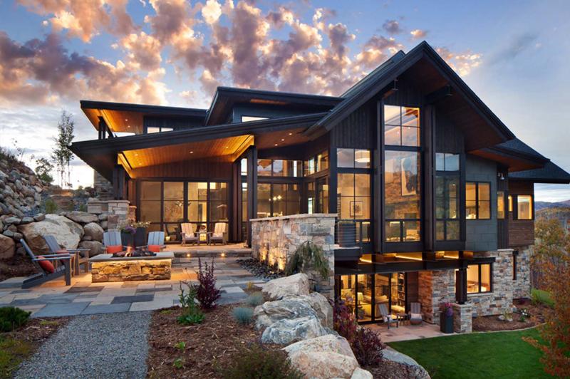 casa com madeira com pedras