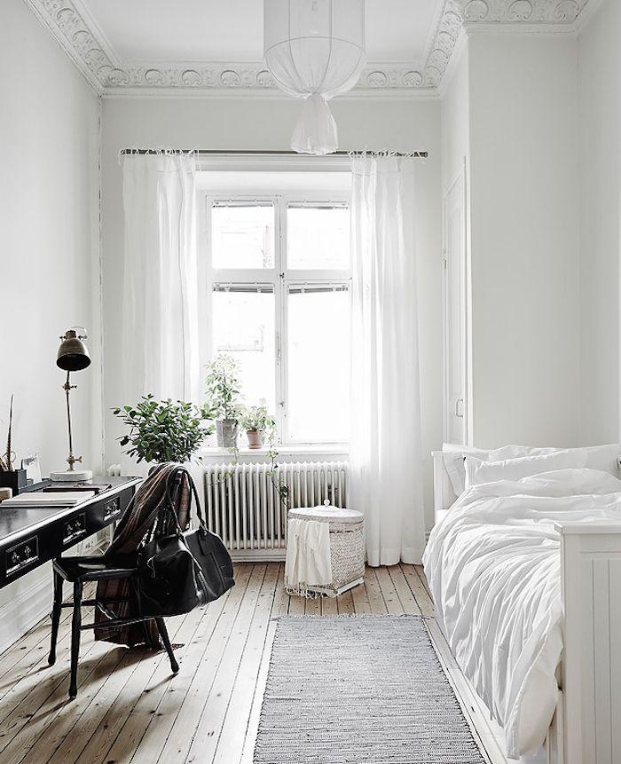 quarto de solteiro com minimalismo