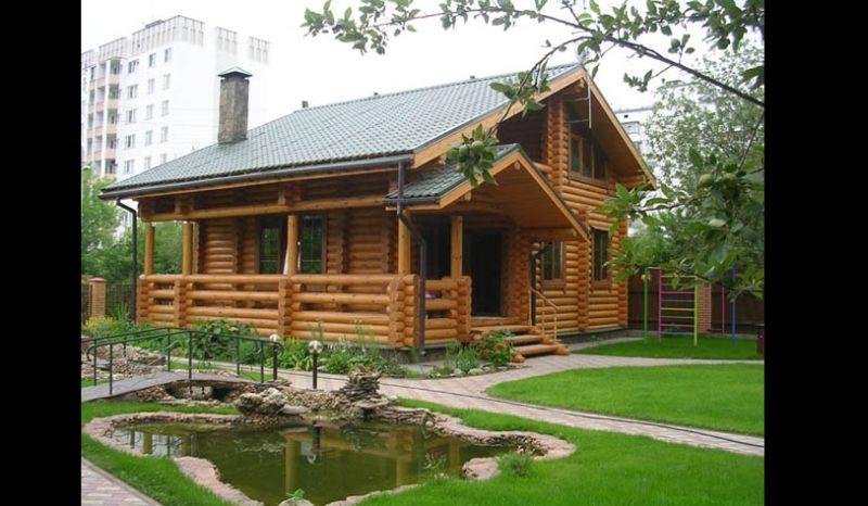 casa com madeira chamine