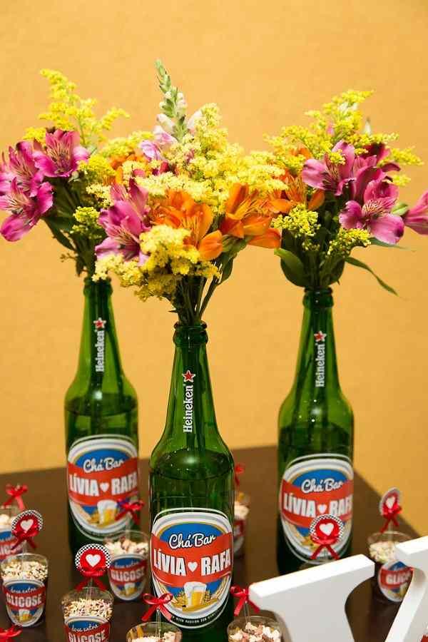 decoração com garrafas heineken