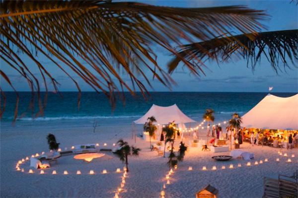 casamento a noite na areia