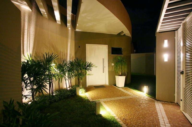 iluminação jardim de entrada