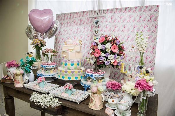 chá de casa nova com decoração rosa