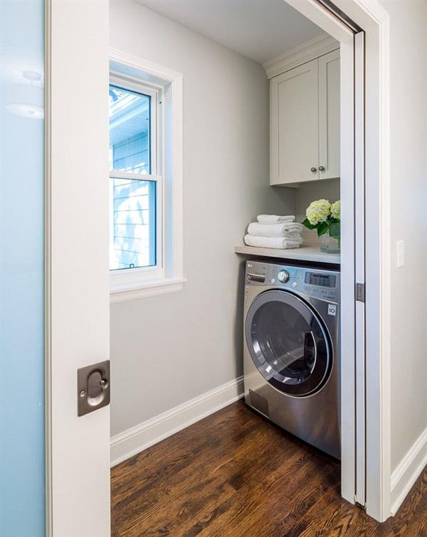 lavanderia com armarios