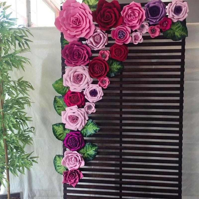 painel com flores e madeira