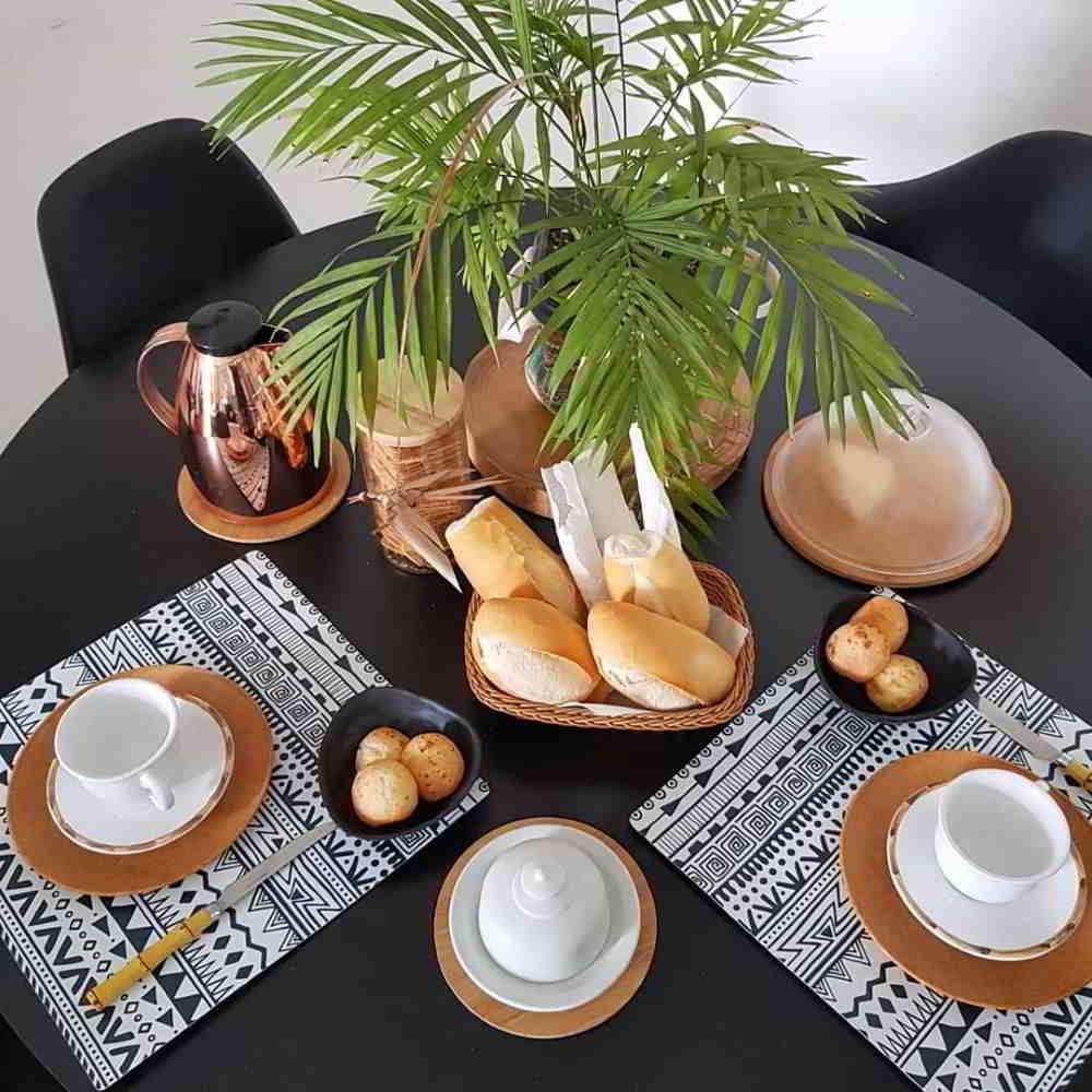 café com pão francês