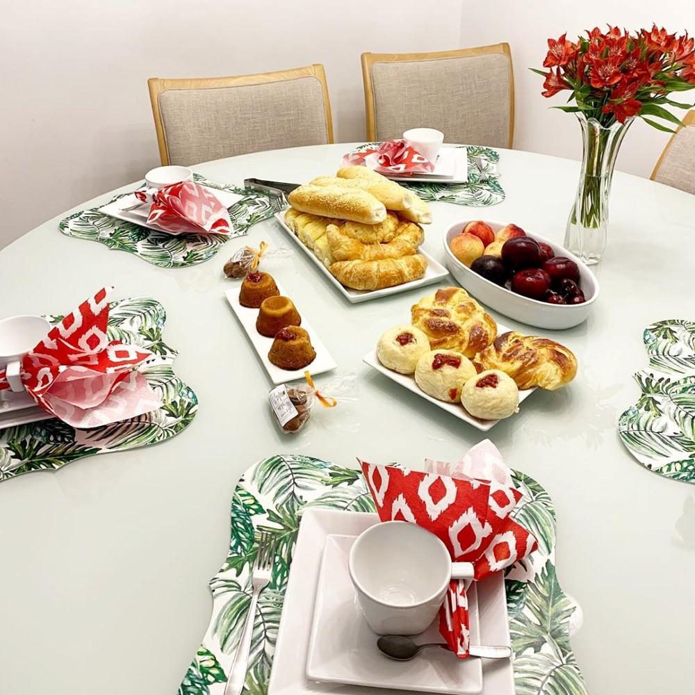 mesa de café da manhã para amigos