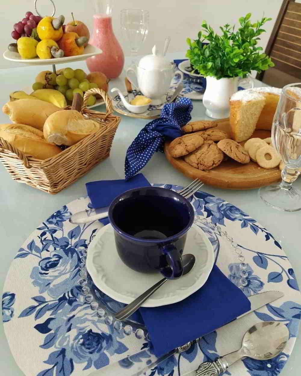 mesa decorada com sousplat