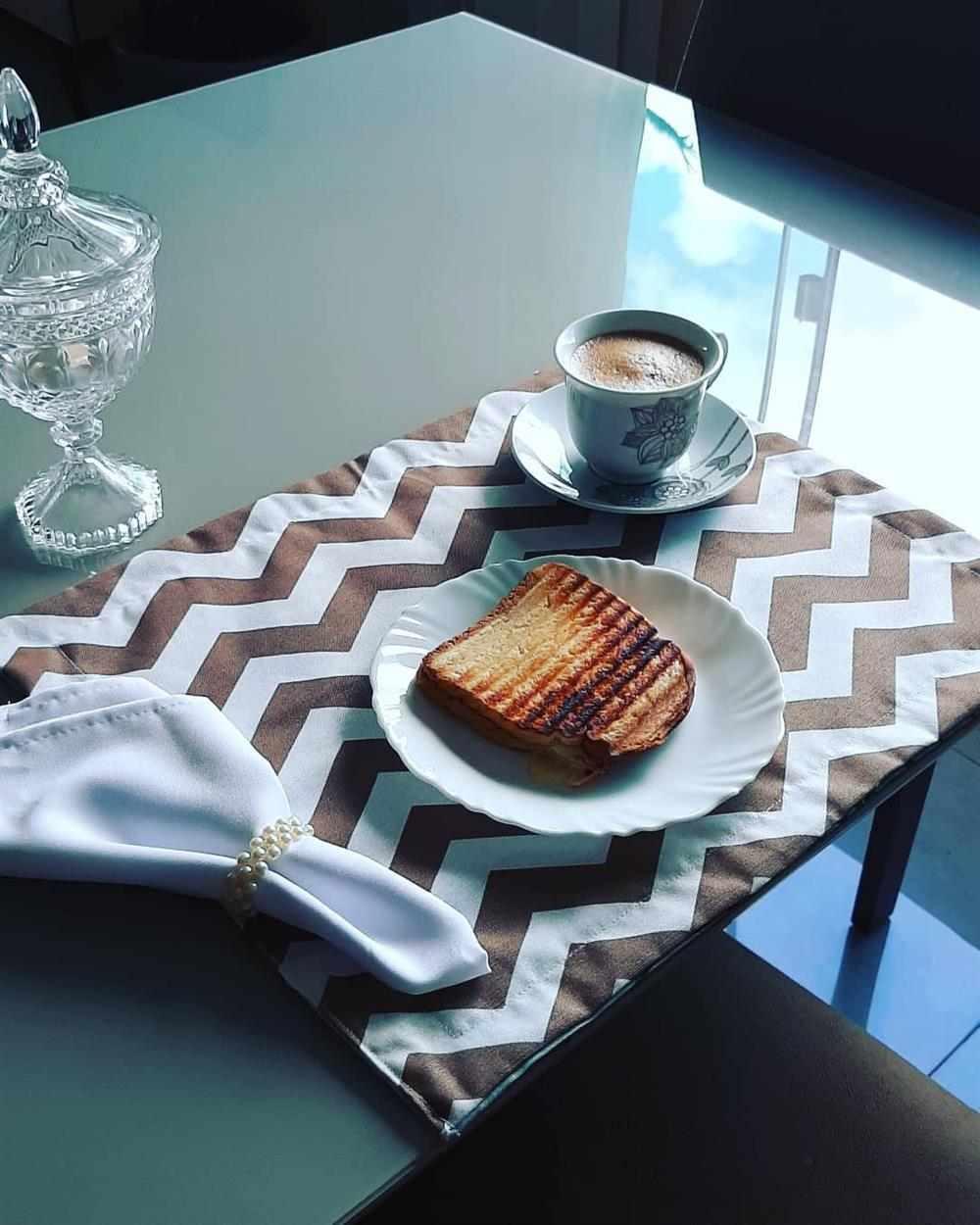 mesa de café da manhã para namorado