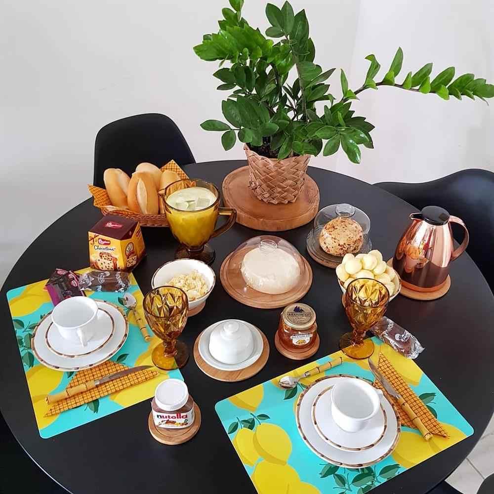 mesa de café da manhã simples