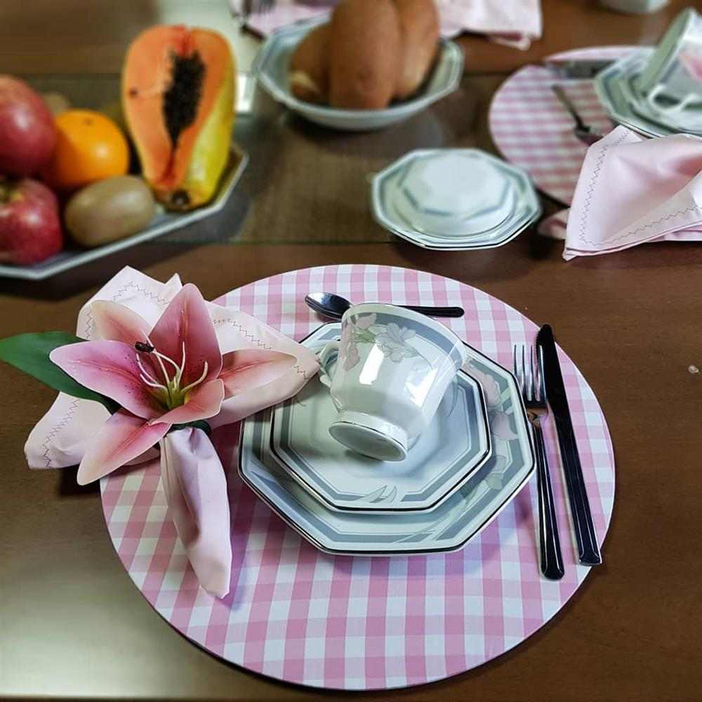 mesa de cafe rosa
