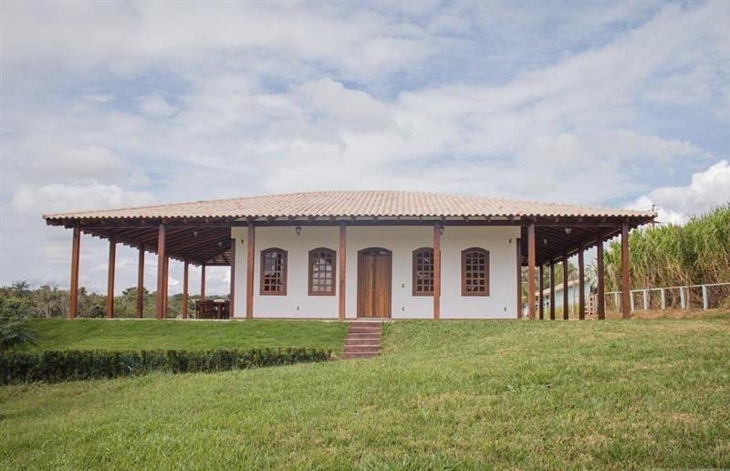casa de campo com teto colonial