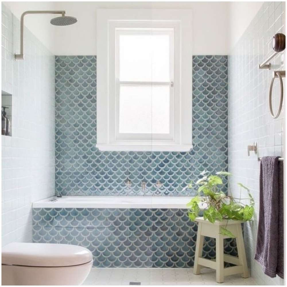 banheiro com banheira simples