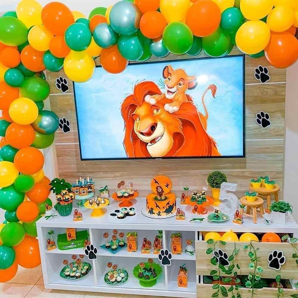 como enfeitar uma festa de aniversário simples safari