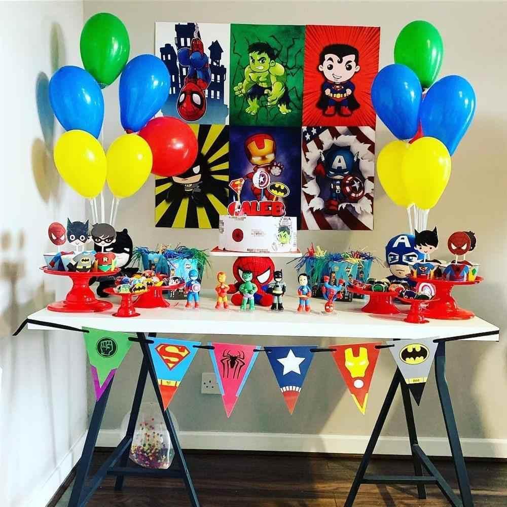 mesa de bolo de aniversário simples super herois