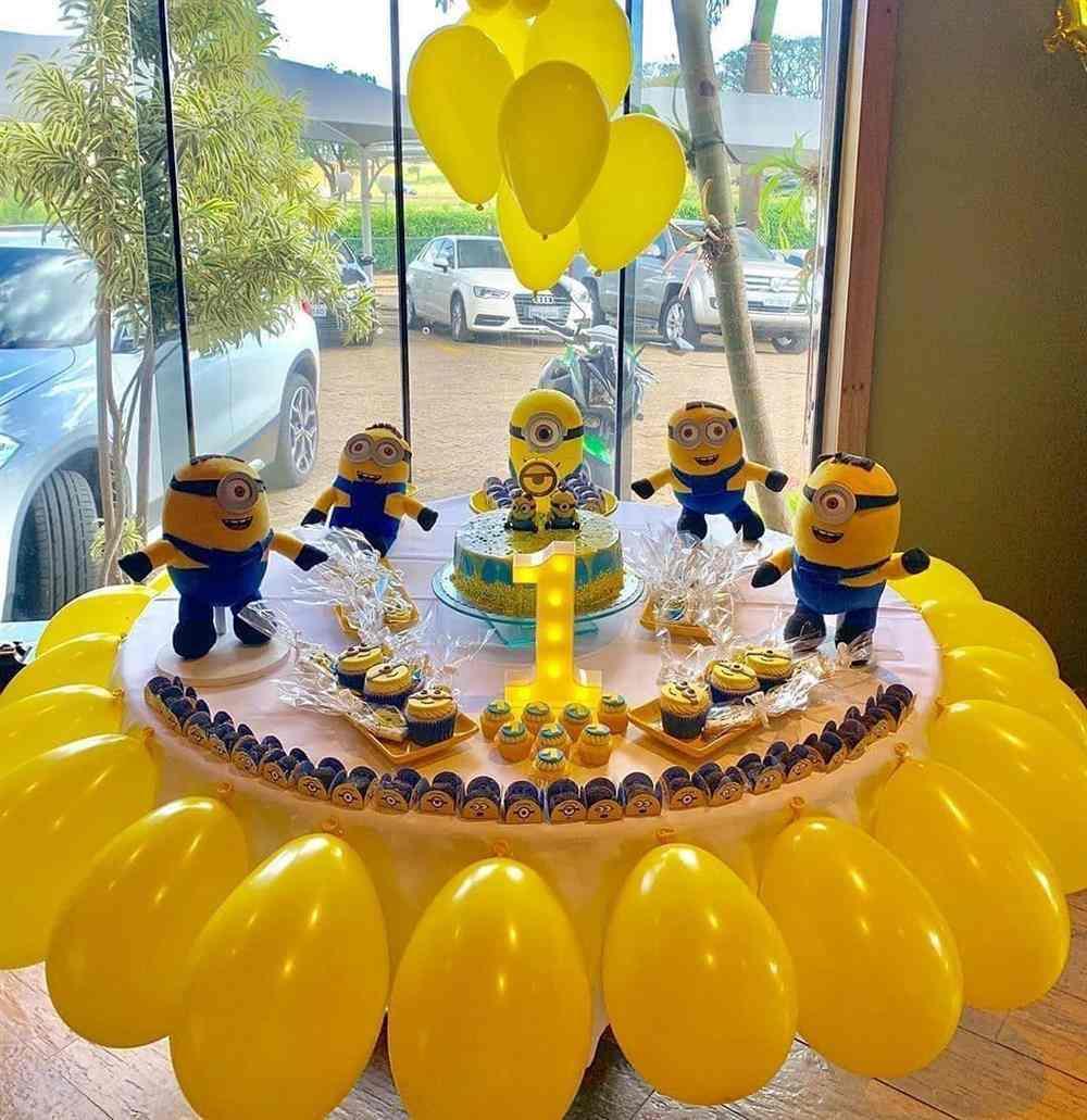 como decorar uma festa de aniversário simples minnions