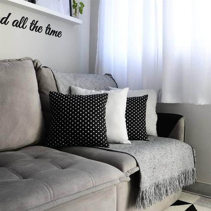 manta para sofá com almofadas